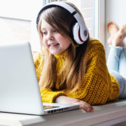 Is online learning an alternative to traditional schooling